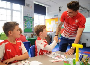 Héctor Bellerín at Sacred Heart Catholic Primary School, Islington